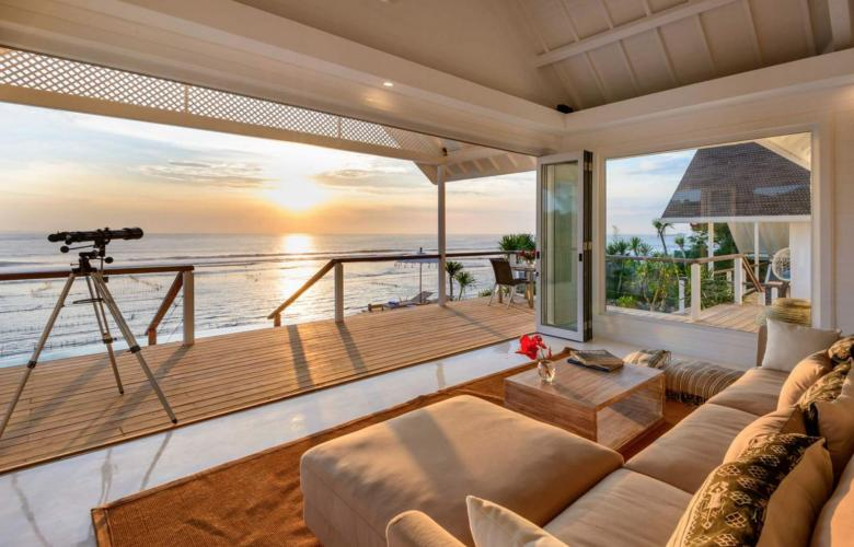Ceningan Island Klungkung Ba Indonesia Iconic Freehold Beachfront Villa For Sale In Nusa Ceningan The Real Estate Conversation
